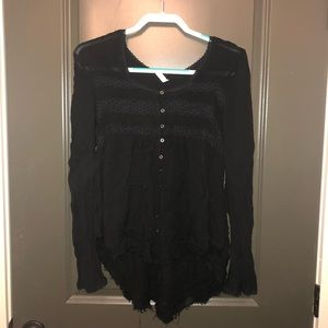 Tops - Long bell sleeve high low top